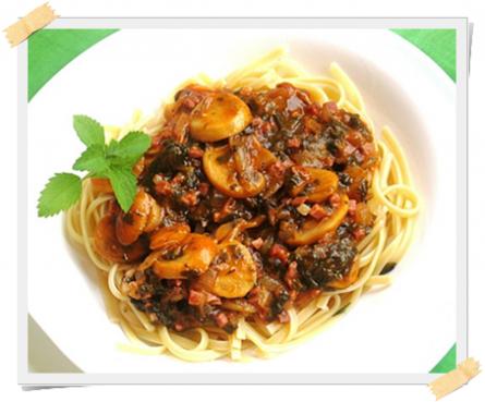 ragu di funghi spinaci e prosciutto cotto